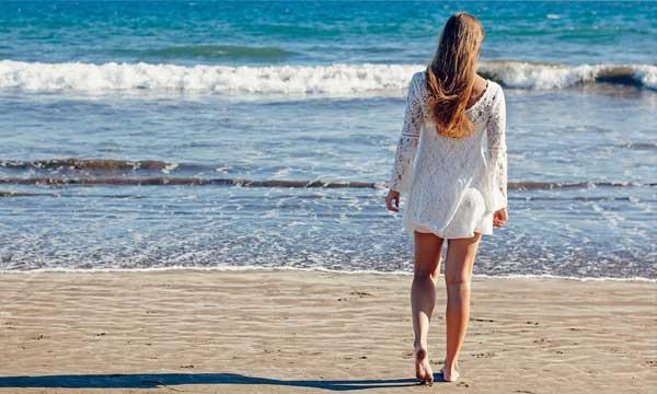 איך תבחרי שמלת כלה לחוף הים